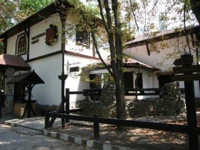 Комплекс на открытом воздухе - Ресторан «Княжа Втиха»
